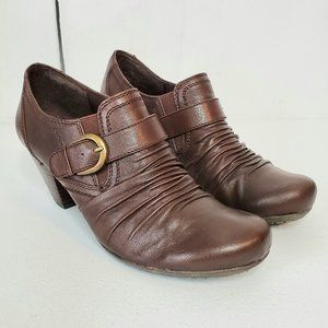 Bare Traps Tamra Buckle Leather Heeled Booties 9.5